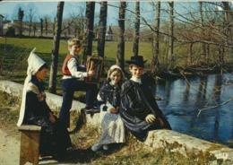 Klederdracht - Costume - Folklore [AA20-789 Poitou - Costumes