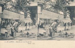 AU JAPON - N° 11 - MARCHE PRES DU TEMPLE DE TOKIO (CARTE STEREOSCOPIQUE) - Cartes Stéréoscopiques