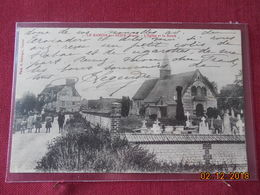 CPA - Le Manoir-sur-Seine - L'Eglise Et La Route - Le Manoir
