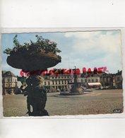 77 - MELUN- LA PLACE SAINT JEAN - CAFE GEORGES 1959 - Melun