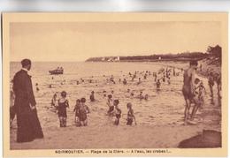 CPA - 85 - NOIRMOUTIER - Plage De La Clère (SCOUTISME, PATRONAGE) Groupe D'enfants Avec Abbés, à L'eau Les Crabes!... - Noirmoutier