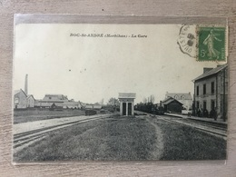 CPA - ROC-St-ANDRÉ (Morbihan) - La Gare - France