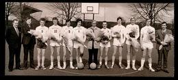 IZEGEM 1973 FOTO 14 X 6 CM  - BASKET - Izegem