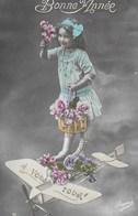 Carte Postale. Bonne Année. Enfant. Fille. Avion - New Year
