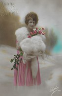 Carte Postale. Bonne Année. Femme. Fleurs - New Year