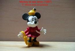 """Kinder 1987 : Minnie Avec Un Parapluie """"Mickey & Ses Amis"""" - Dessins Animés"""