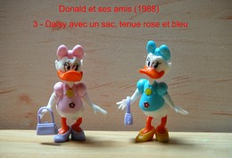 "Kinder 1988 : 2 Variantes : Daisy Avec Sac à Main, Tenue Rose & Tenue Bleu Clair ""Donald & Ses Amis"" - Cartoons"