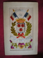 CARTE BRODÉE   - Militaires,Régiment Souvenir Du 1er De Montagne.(carte Vendue En L'état) - Brodées