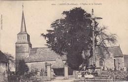 Morbihan- Larré - L'église Et Le Calvaire - Otros Municipios