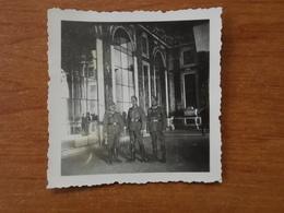 WW2 GUERRE 39 45 VERSAILLES SOLDATS ALLEMANDS GALERIE DES GLACES - Versailles