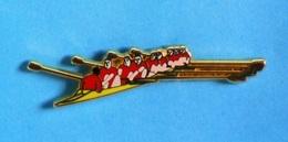 1 PIN'S //   ** SPORT / AVIRON / HUIT EN  POINTE AVEC BARREUR (8+) HOMMES ** . (Arthus Bertrand Paris) - Aviron