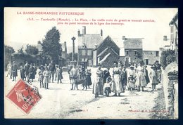 Cpa Du 50   Tourlaville La Place -- Croix Granit Point Terminus Des Tramways Autrefois        YN31 - Frankreich