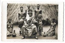 DAHOMEY - Le Chef Fêticheur SLIGBO KLOUNON Et Ses Servants à Houinoê - Dahomey