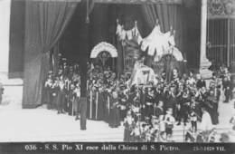 PIE-RO-18-7452 : S. S. PIO XI ESCE DALLA CHIESA DI S. PIETRO - Vatican