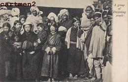 A GROUP OF DARJEELING PEOPLE TIBET THIBET CHINE CHINA ETHNOLOGIE ETHNIC ASIA NEPAL INDE INDIA - Tibet