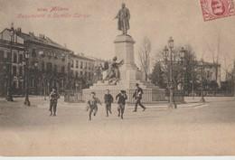 C.P.A. - MILANO - MONUMENTO A CAMILLO CAVOUR - ANIMÉE - PRECURSEUR - 2540 - Milano (Milan)