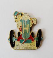 Pin's Hutchinson Automobile - B18 - Badges