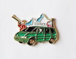 Pin's Voiture Renault Espace - B18 - Badges