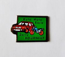 Pin's Perso Auto Moto Ecole Dany Bourneuf - B18 - Badges