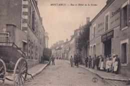 MONTARGIS           RUE ET HOTEL DE LA SIRENE.   LE PERSONNEL - Montargis