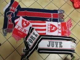 RRRARE Collection 3 écharpes Foot Football Anciennes PSG Paris St Germain Juve Et  FCR - Habillement, Souvenirs & Autres