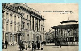 AALST - Hôtel De Ville Et Une Partie De La Grand'Place (Lagaert) - Aalst