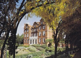 Postcard Royal Botanic Gardens Kew London Kew Palace / The Dutch House My Ref  B23237 - London Suburbs