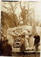 Photo Devant Le Monument Des Volontaires Américains Morts Pour La France,1930.Photo Meurisse. - Krieg, Militär