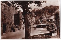Dunster: AUSTIN LIGHT 12/6 '32, OLDTIMER CARS - The Yarn Market - (Scotland) - 1953 - Toerisme