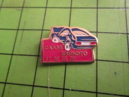 1012c Pin's Pins /  Belle Qualité Et Rare / THEME AUTOMOBILE : VOITURE ACCIDENTEE CASSE BRUNOTO - Badges