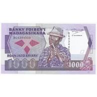 MADAGASCAR - PICK 72 - 1000 FRANCS - ND 1988-93 - - Madagaskar
