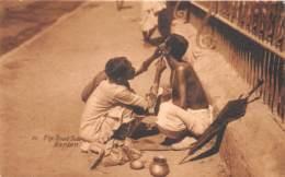 Inde / Ethnic - 212 - The Road Side Barber - India