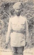 Inde / Military - 231 - Soldat Hindou Avec Son Poignard - Inde