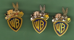 WARNER BROS *** Warner Studios *** Lot De 3 Pin's Differents *** 0095 - Comics
