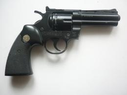 PISTOLET D' ALARME UMAREX CAL 22 A BLANC - Armes Neutralisées