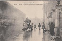 INONDATIONS DE PARIS Janvier 1910  Rue Du Chevaleret  Construction D'une Passerelle - Catastrophes