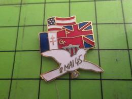 1517 Pin's Pins /  Belle Qualité Et Rare / THEME MILITARIA : 8 MAI 1945 PAIX EN EUROPE COLOMBE BLANCHE - Autres