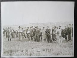 Photo Concours De Peche à Issy Les Moulineau  Avant Guerre 1931 Dim 18cm X 24cm TB - Personnes Anonymes