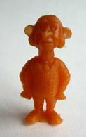 TRES RARE FIGURINE LUCKY LUKE - PIRATE RES PLASTIC - MAITRE D'HOTEL ORANGE Pas DUNKIN - Figurines
