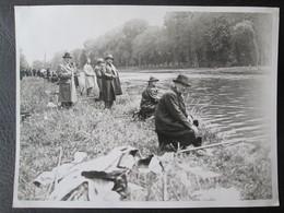 Photo Concours De Peche à Fontainebleau Avant Guerre Le 19 Mai 1931 Dim 18cm X 24cm TB - Personnes Anonymes