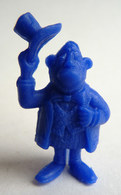 TRES RARE FIGURINE LUCKY LUKE - PIRATE RES PLASTIC - LE MAIRE BLEU FONCE Pas DUNKIN - Figurines