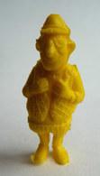 TRES RARE FIGURINE LUCKY LUKE - PIRATE RES PLASTIC - IMPRIMEUR JAUNE Pas DUNKIN - Figurines