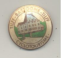 Médaille Avec  épingle - TILFF - BASTOGNE - TILFF 1981 - Cyclotourisme, Cycliste, Vélo  (b241) - Cyclisme
