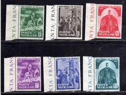 VATICANO VATIKAN VATICAN 1960 ANNO MONDIALE RIFUGIATO REFUGEES WORLD YEAR SERIE COMPLETA COMPLETE SET MNH - Nuovi