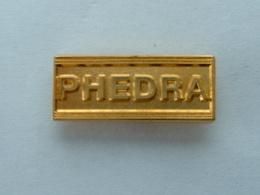 Pin's LANCIA PHEDRA - LOGO - Pins