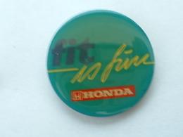 Pin's HONDA - FIT IS FINE - Honda