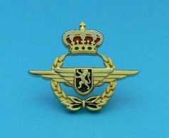 1 PIN'S //  ** INSIGNE MILITAIRE / FORCE AÉRIENNE BELGE ** - Army
