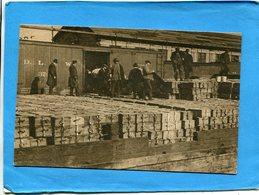 Guerre 14-18- Carte Photo -gros Plan Animé-U S A-quais De Jersey City-couvert De Munitions-pour Le Front -1917 - Guerra 1914-18