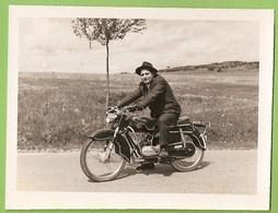 Águeda - REAL PHOTO - Motorizada Zundapp - Mota - Moto - Motorbike. Aveiro. - Motorbikes