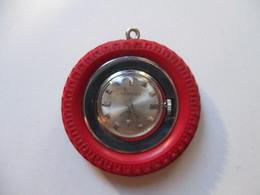 Orologio Meccanico Da Tasca A Forma Di Ruota. ROTTO Da Riparare - Orologi Antichi
